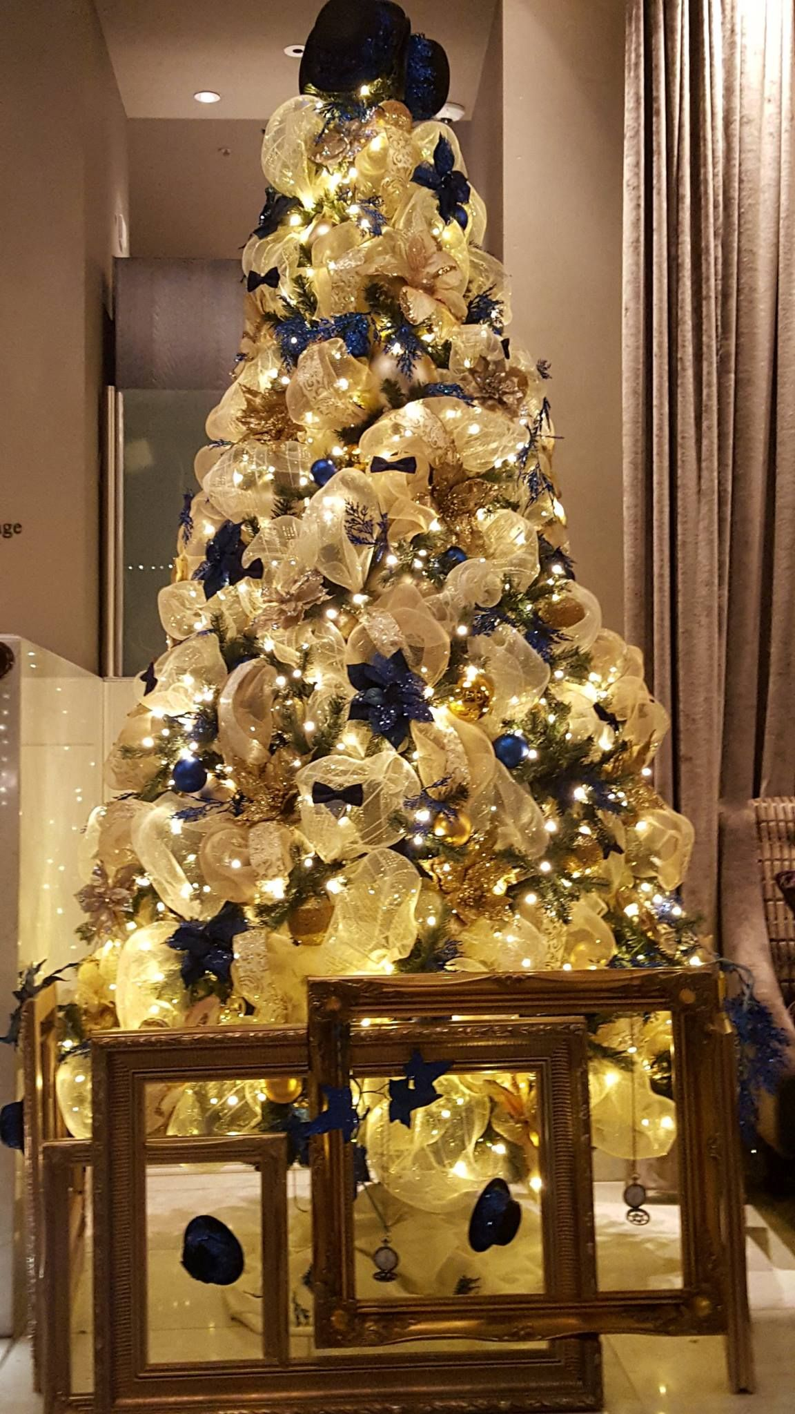 Christmas Tree Hire Luxury Christmas Tree Designs London Uk Gold Christmas Decorations Luxury Christmas Tree Gold Christmas