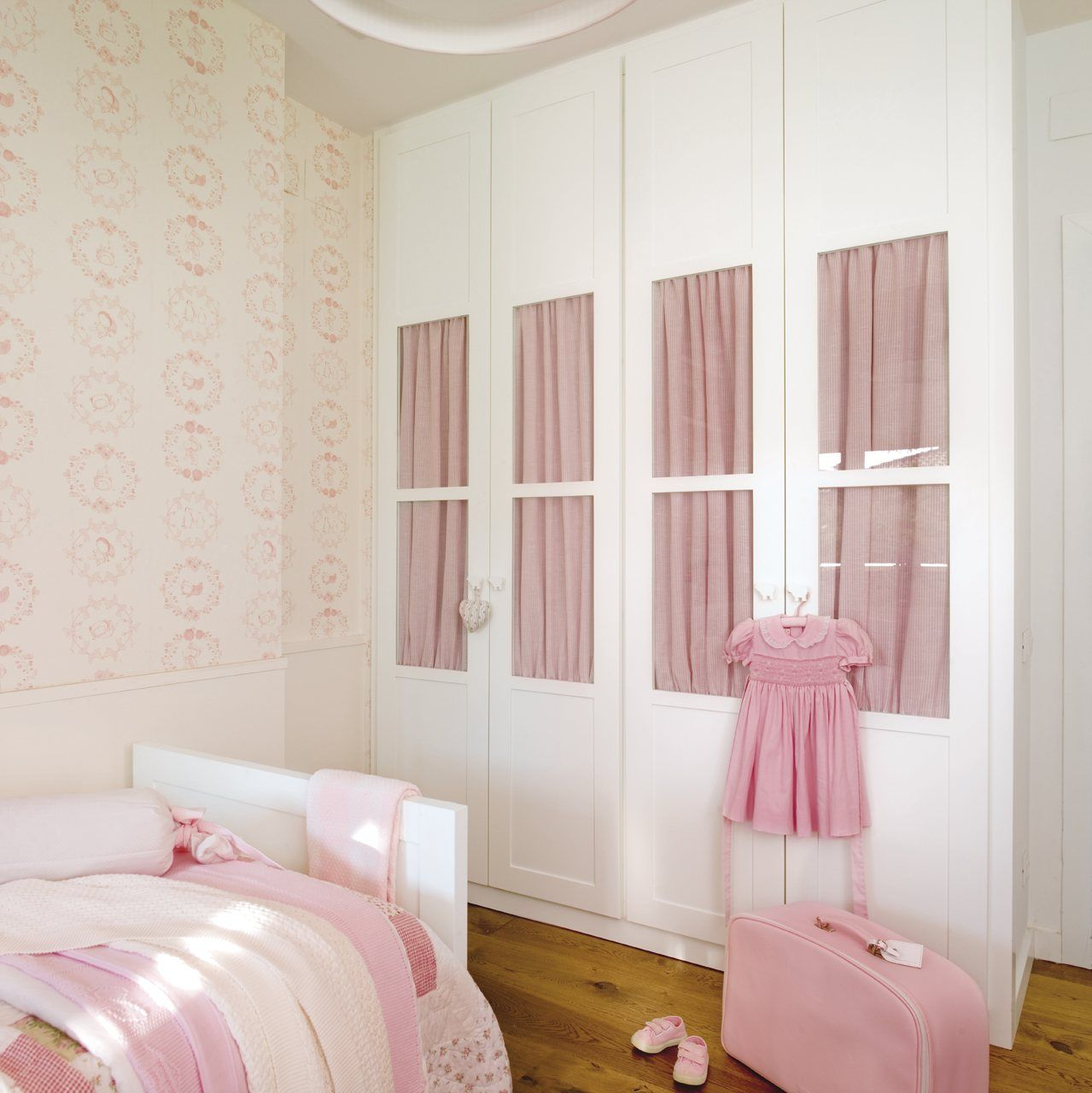 Maxi ideas para mini habitaciones ni os for Armario habitacion nina