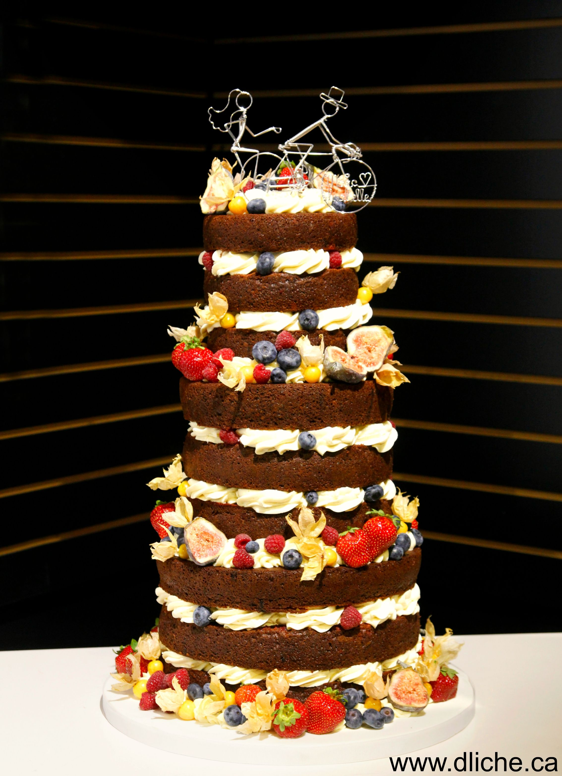 wedding cake with fruit filling quot cake quot rempli de petits fruits a fruit filled 26898