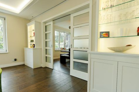 Thieme Türen - 2-flügeliges Schiebetürelement in der Wand laufend - wand laminat küche