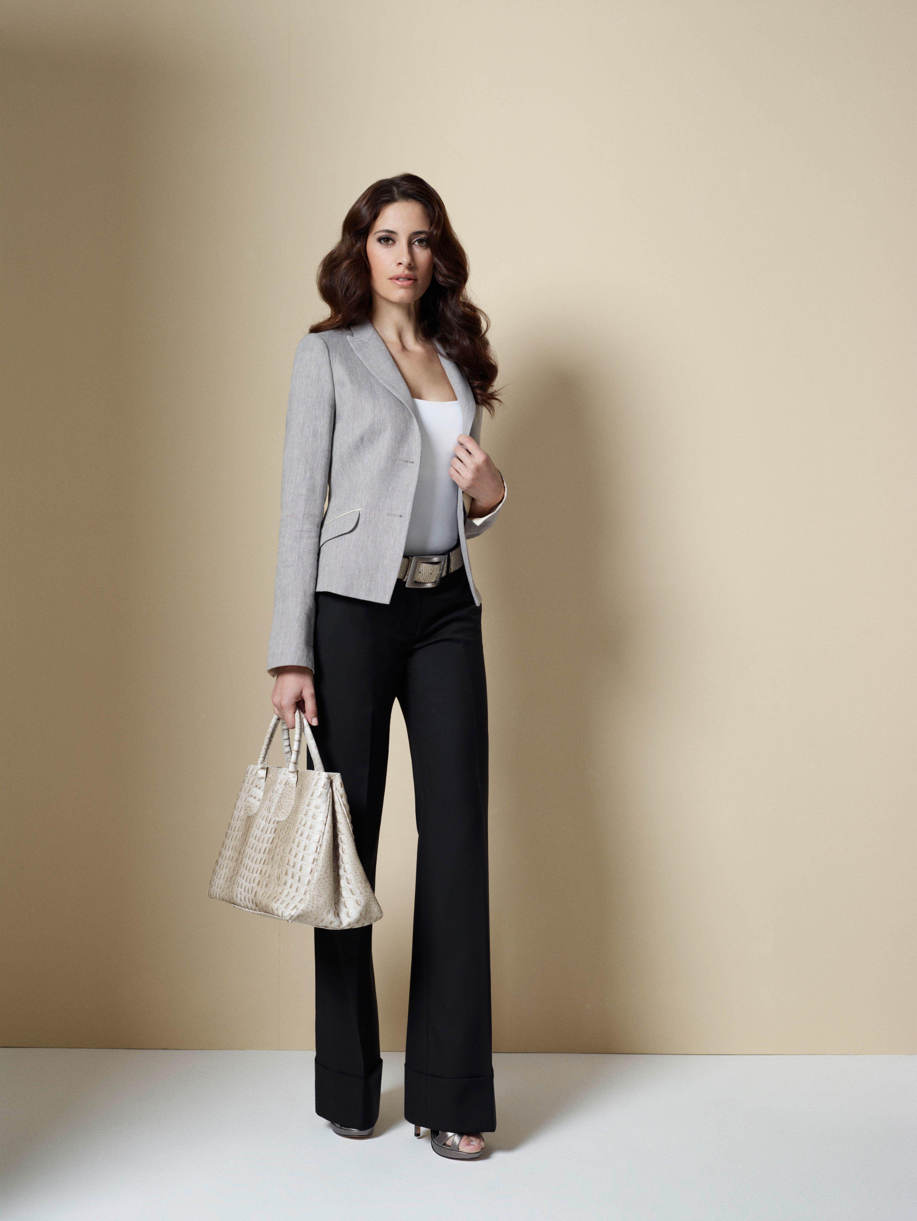 Die weite und gerade geschnittene Hose im Stil der 30er Jahre macht auch  heute noch eine 12b6bdfe7a