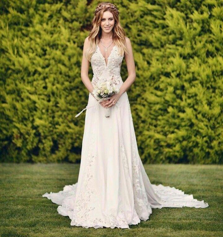 Sinem Kobal In Tuvanam Haute Couture Gelinlik Beyaz Dugun Elbiseleri The Dress