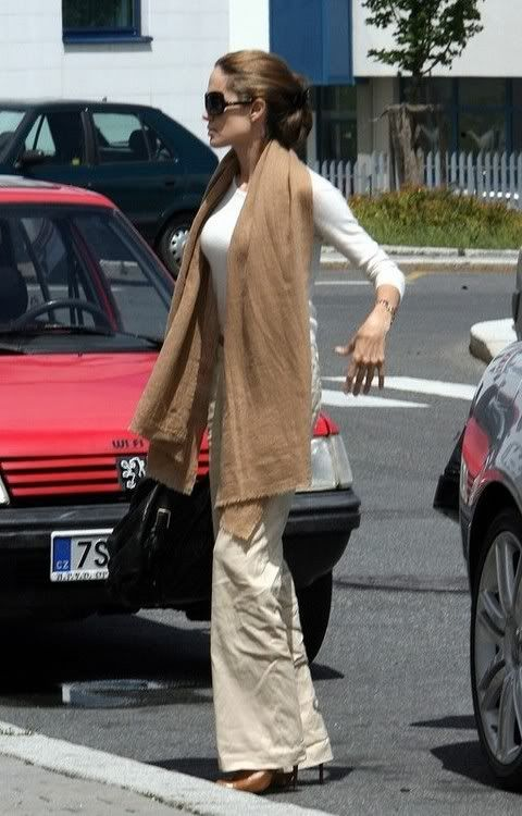 Modern muse Angelina Jolie in linen pants | Petites July WWSF ...
