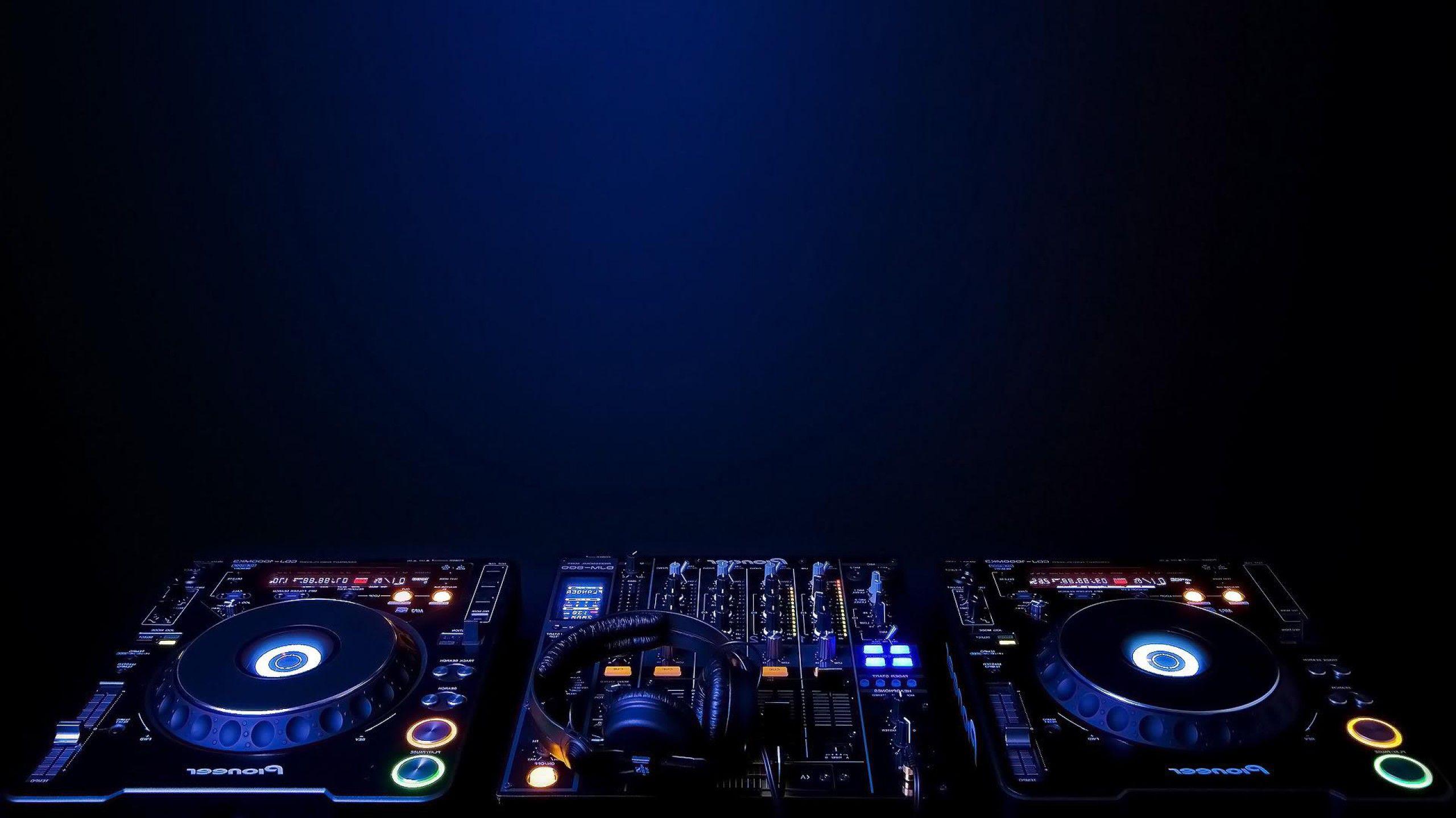 Скачать музыку микс диджеев ночных клубов челны афишу ночных клубов