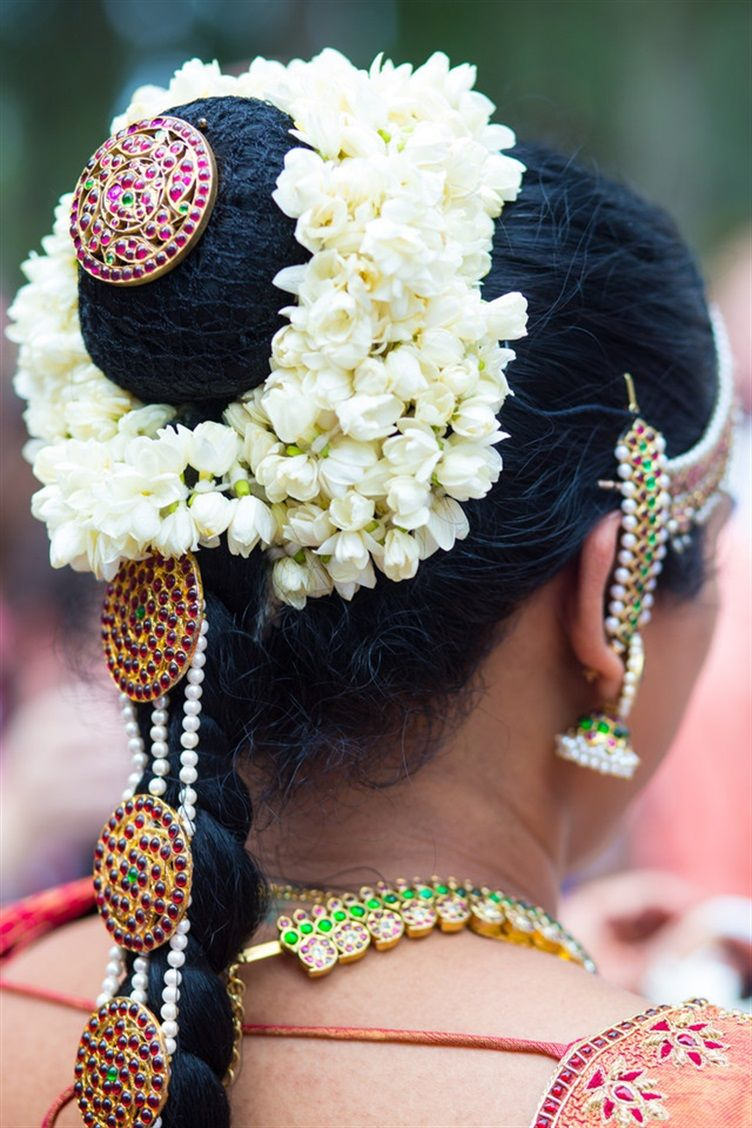 Shraddha wills epic tamil iyer wedding complete with a t rex south indian bride hairstyle jasmine flower garland wrapped around a high bun with a long braid tamil iyer wedding alexis sweet photos 48 izmirmasajfo