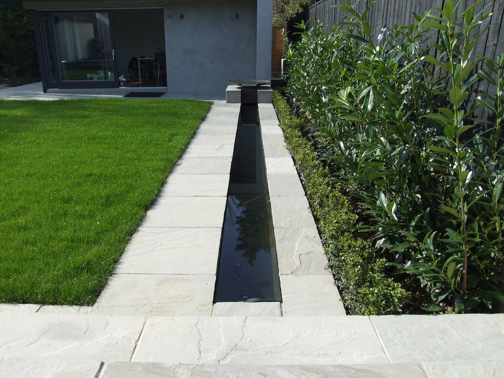 Modern garden with water feature google search gardens for Contemporary gardens