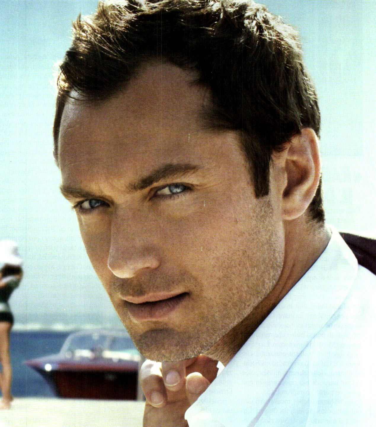 Jude Law pretty sure he is my celebrity crush. I would love to have a deep intimate conversation with him...