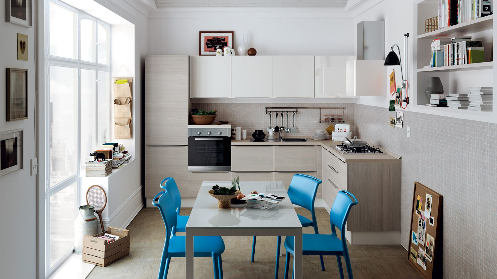 It Has A Corner Layout With All The Functions Concentrated In The Base Units A Series Of Four Wall Cucina Urbana Progetti Di Cucine Cucine Piccole