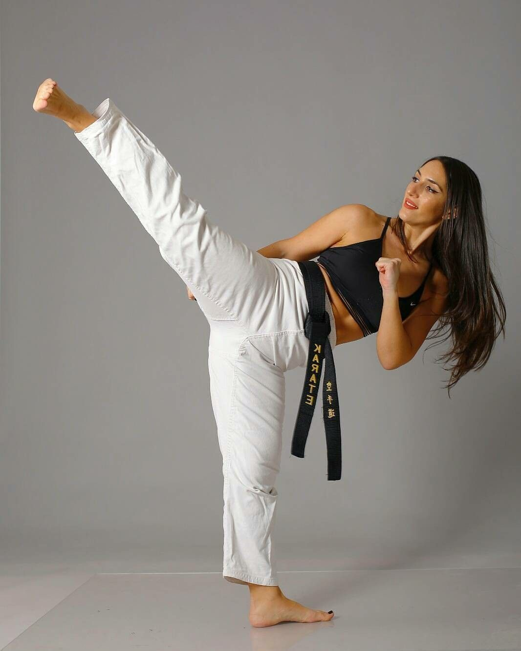 female naked martial arts