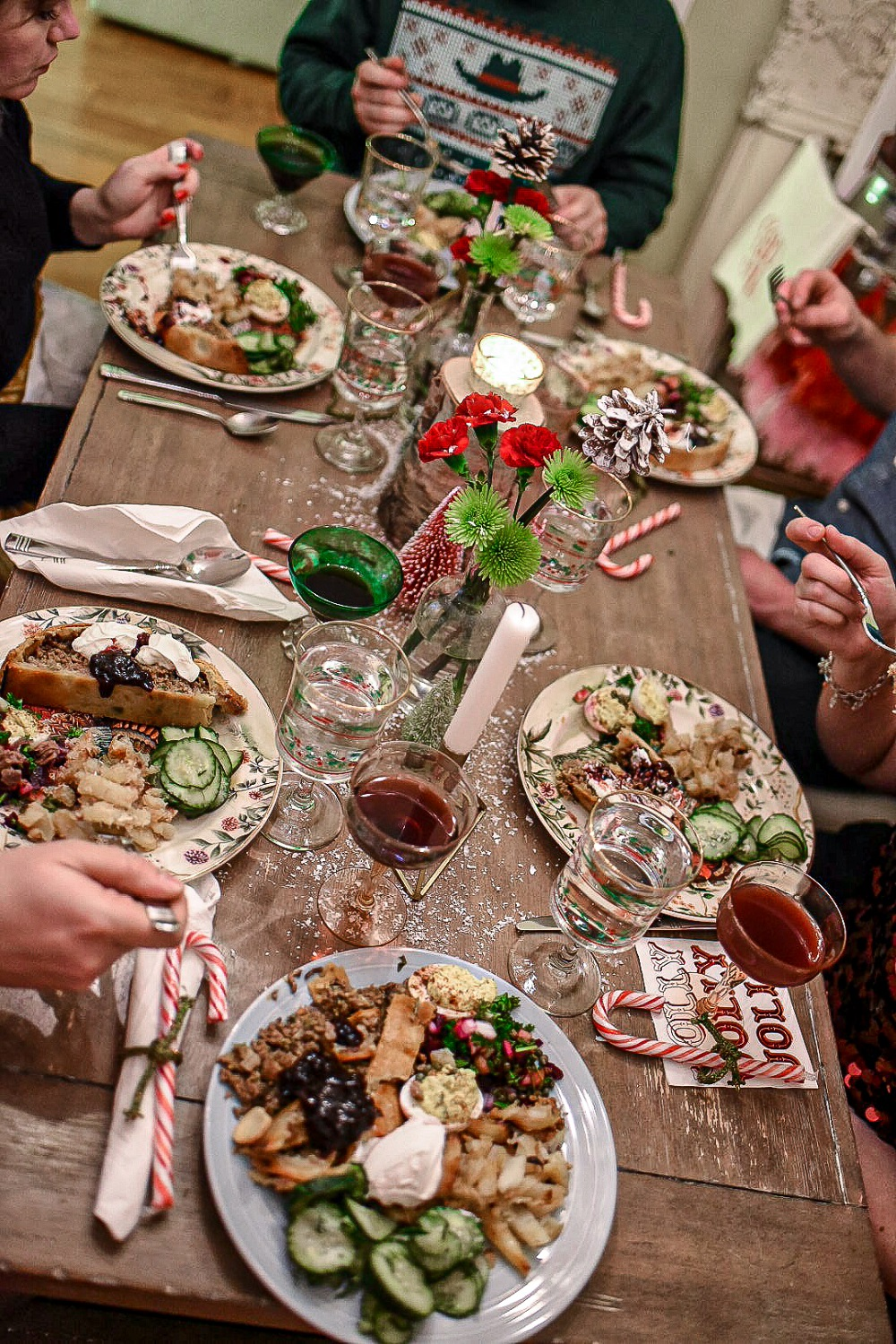 Hygge Holiday Dinner Party A Scandinavian And Swedish Inspired Dinner Menu For A Cozy And Intimate Friendsmas This Holiday Season Holiday Dinner Party Holiday Dinner Dinner Menu