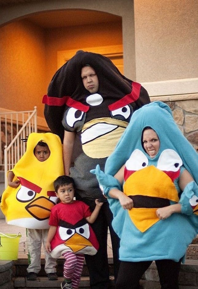 Have tons of fun in this Angry Bird family Halloween costume - halloween costume ideas for family