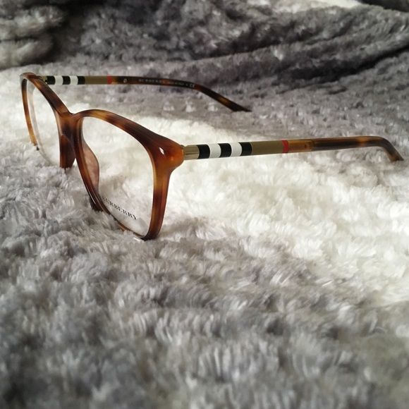 $135Ⓜ BURBERRY Glasses