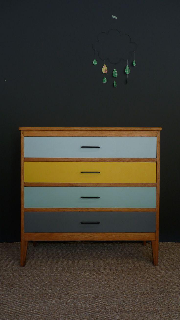 Commode Vintage Aux Couleurs Pastel Meubles Et Mobilier Vintage Restaure Relooke Design Retro Chic Furniture Renovation Furniture Makeover Diy Furniture