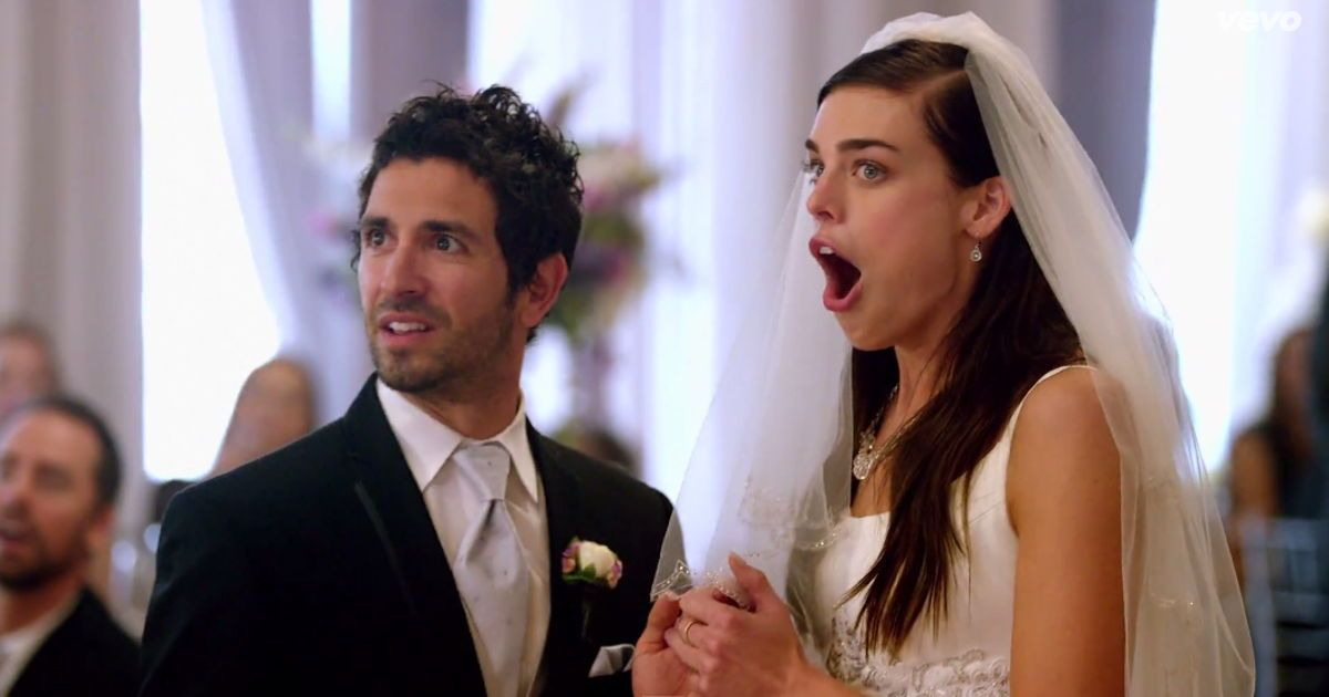 Maroon 5 Just Crashed A Bunch Of Real Life Weddings For Their New Music Video Wedding Crashers Surprise Wedding Maroon Wedding