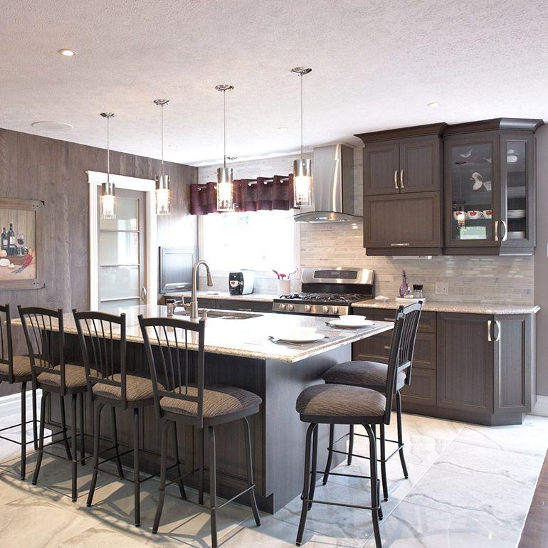 armoires de cuisine transitionnelles en m lamine polyester. Black Bedroom Furniture Sets. Home Design Ideas