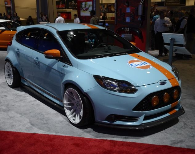 Hemi Shaker Mopar Challenger Photos The Coolest The Wackiest The Most Powerful Cars At Sema 2013 Ford Focus Ford Focus St Ford Fiesta St