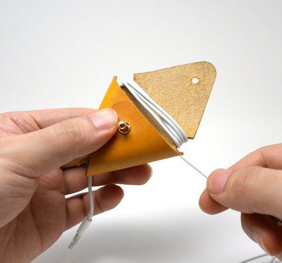 Photo of Handgemacht von Hand gefertigtes Dreieck Earpod Kopfhörer | Etsy