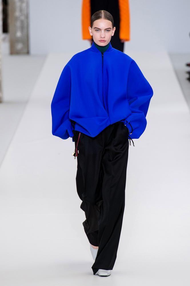 I giubbotti bomber sono le perfette giacche casual da sfoggiare oggi (e per tutta la stagione)