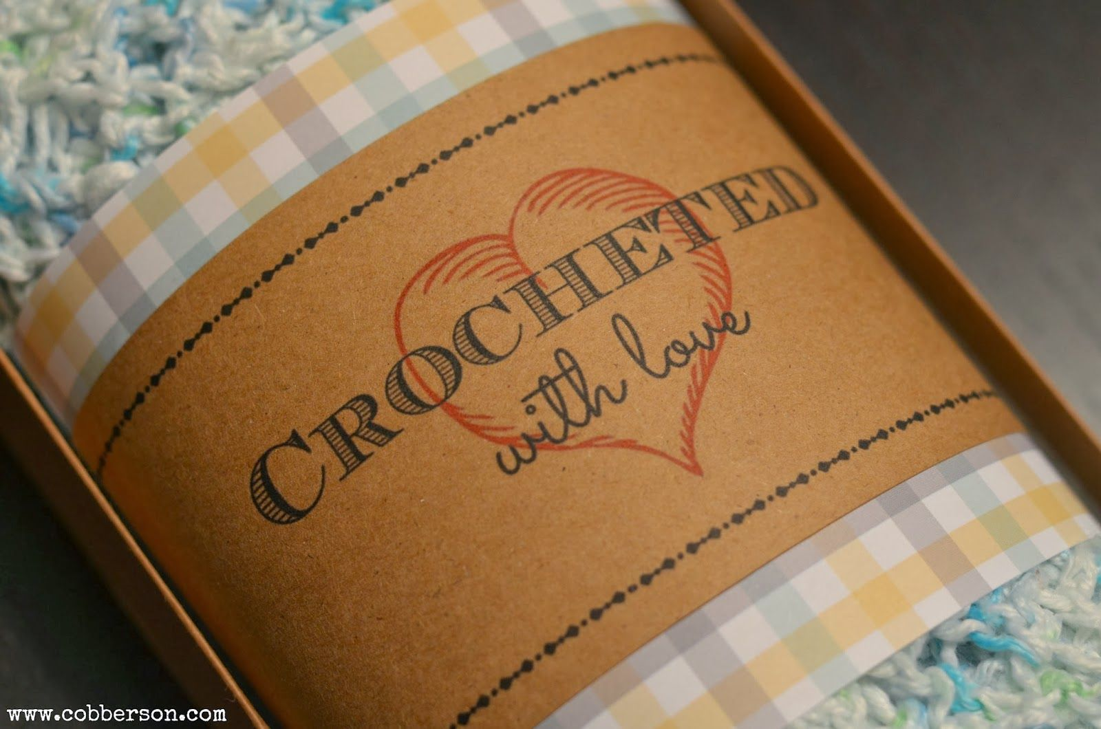 Crocheted with love - free printable gift tag