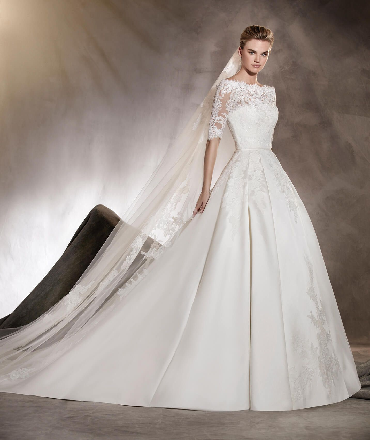 Albasari - Wedding dress in mikado, with an off-the-shoulder ...