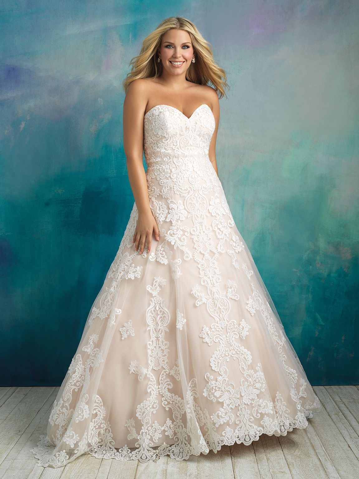 Style: W413 Lace and a beautiful silhouette are the two perfect ...