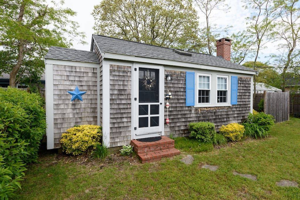 Cozy Cape Cod Cottage Walk to Beach Cottages for Rent