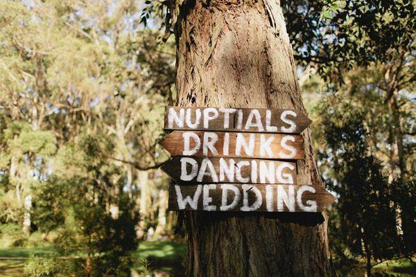 AMAZING Australian farm wedding event signs