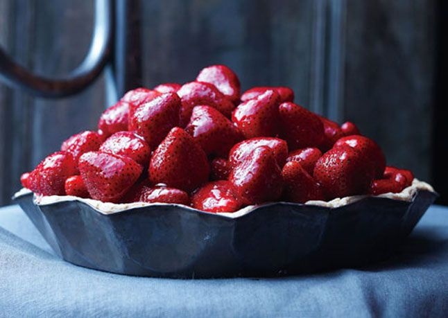 Strawberry Pie with Chamomile and Currant Glaze