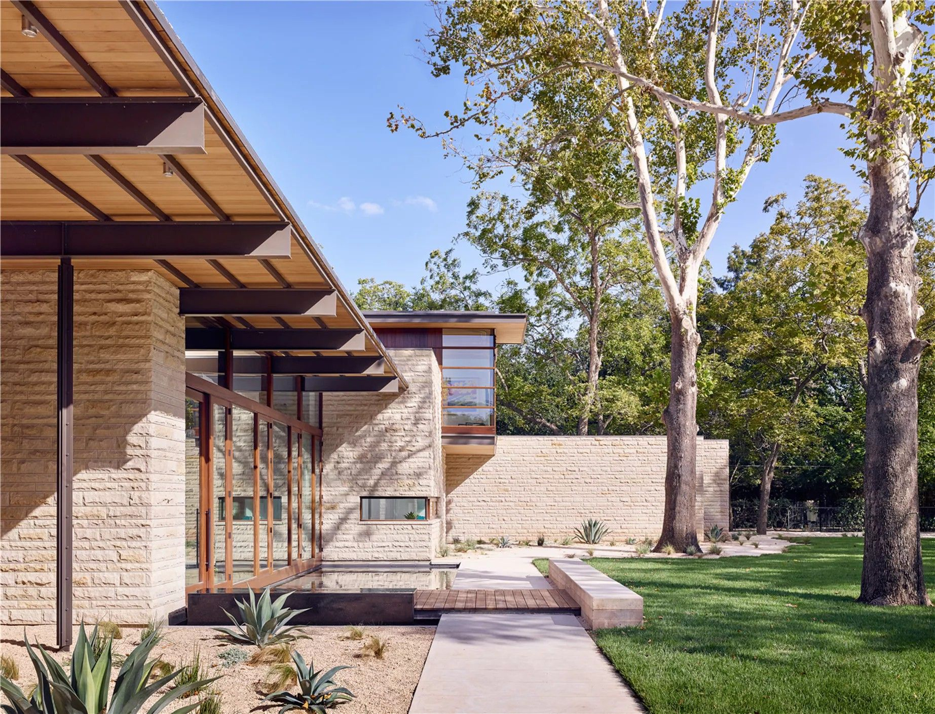 Lake Austin Residence - A Parallel Architecture - Archinect
