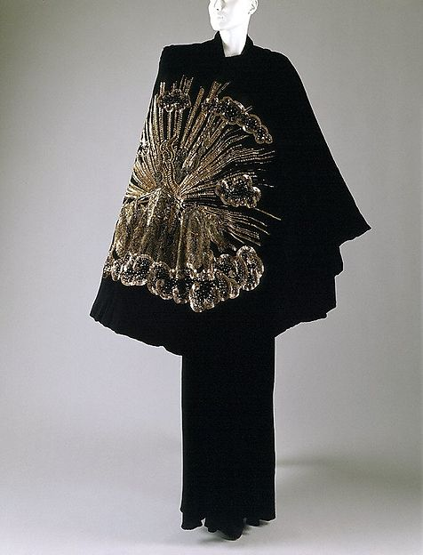 """Apollo of Versailles"" cape (image 2) 