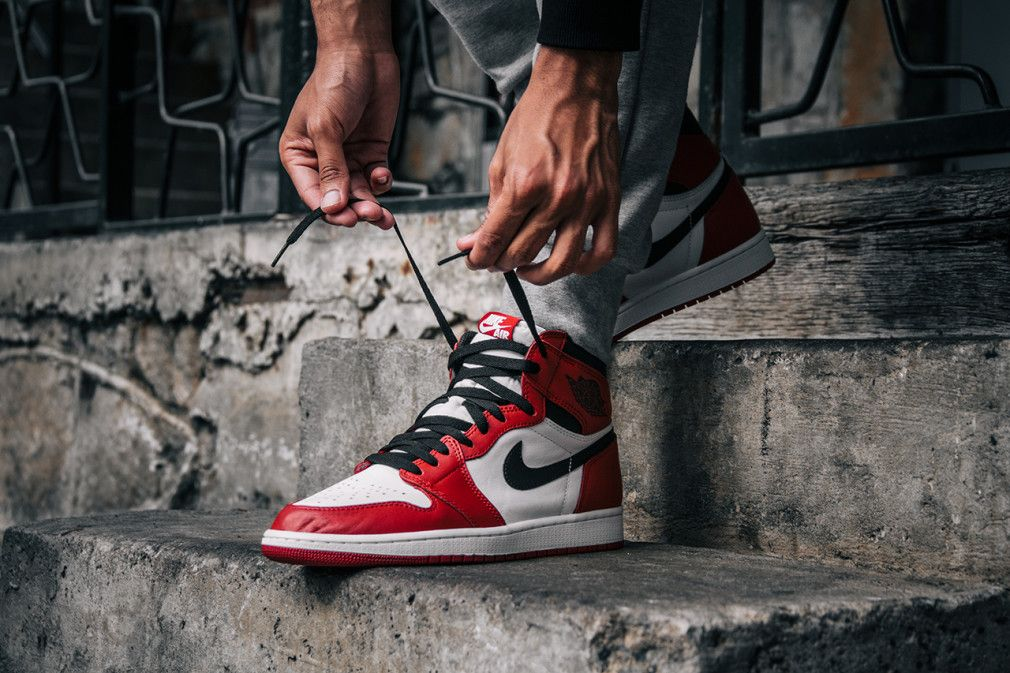 Air Jordan 1 Retro High Og Chicago On Foot Look Sneakers Men Fashion Nike Air Shoes Air Jordans