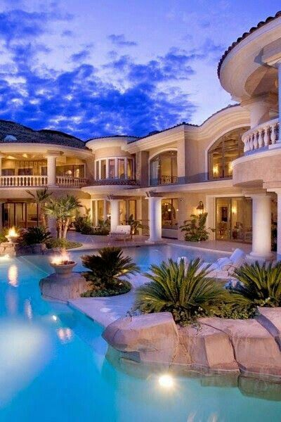 beautiful mansion and pool - Big Mansions With Pools On The Beach
