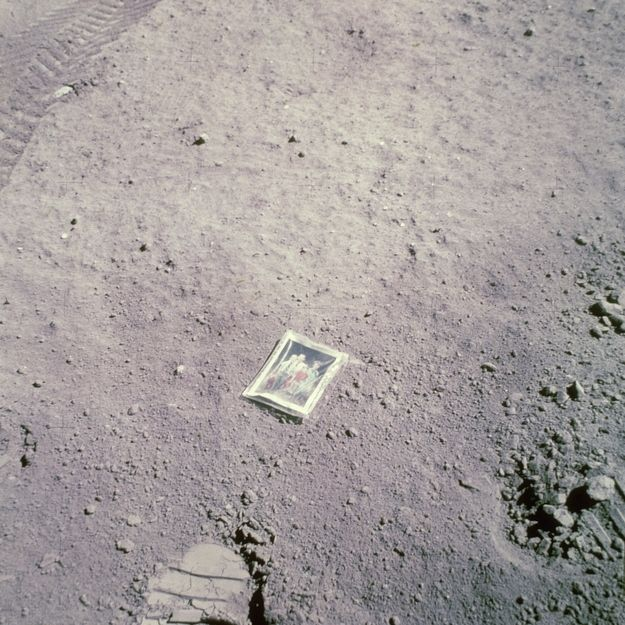 Apollo 16 astronaut Charles Duke immortalizes his family by leaving a photo of them on the moon in 1972. | 21 Photos Of People Being Wonderful Throughout History
