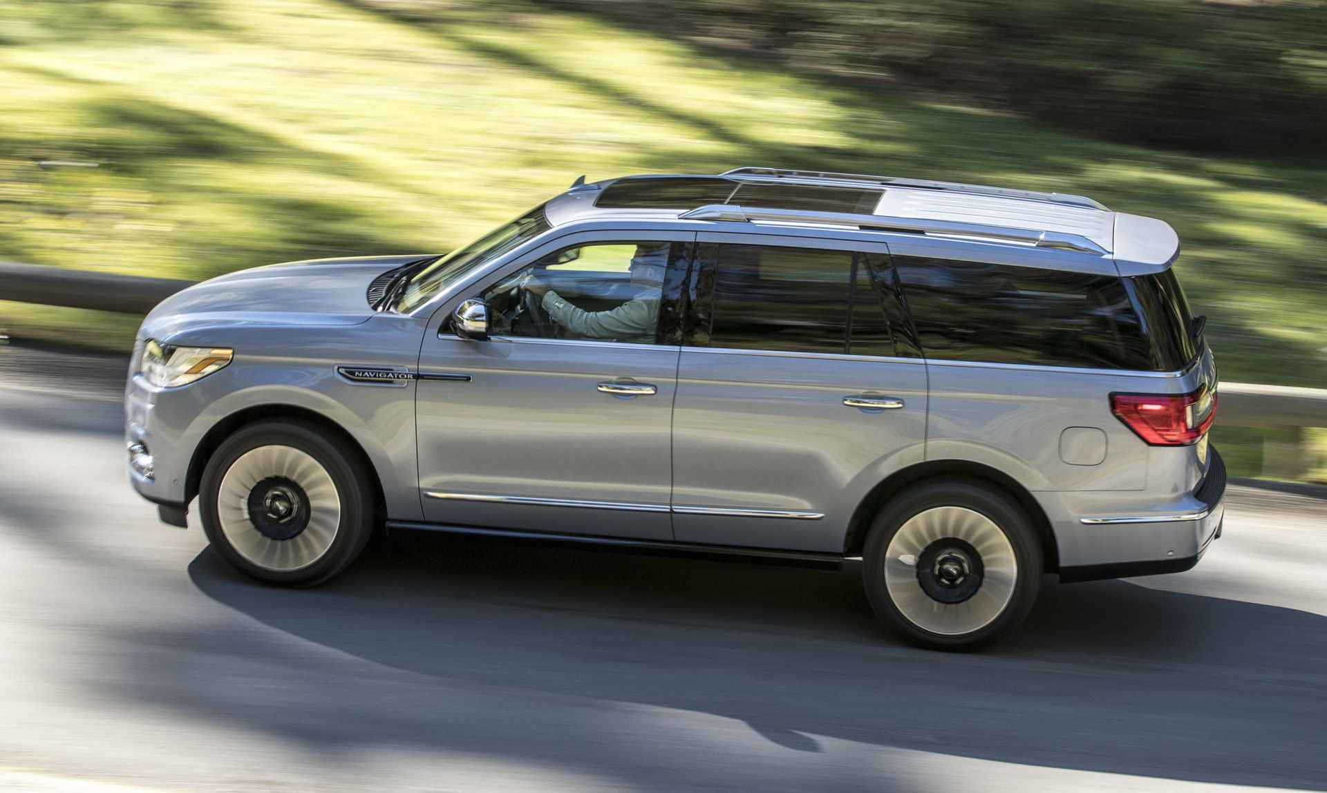 2018 lincoln 2 door.  door lincolnu0027s fullsize luxury suv has a price tag the 2018 lincoln navigator  will intended lincoln 2 door