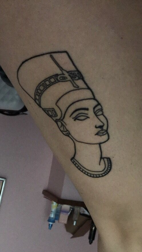 queen nefertiti tattoo queen nefertiti tat pinterest ideas de tatuajes tatuajes y ideas. Black Bedroom Furniture Sets. Home Design Ideas
