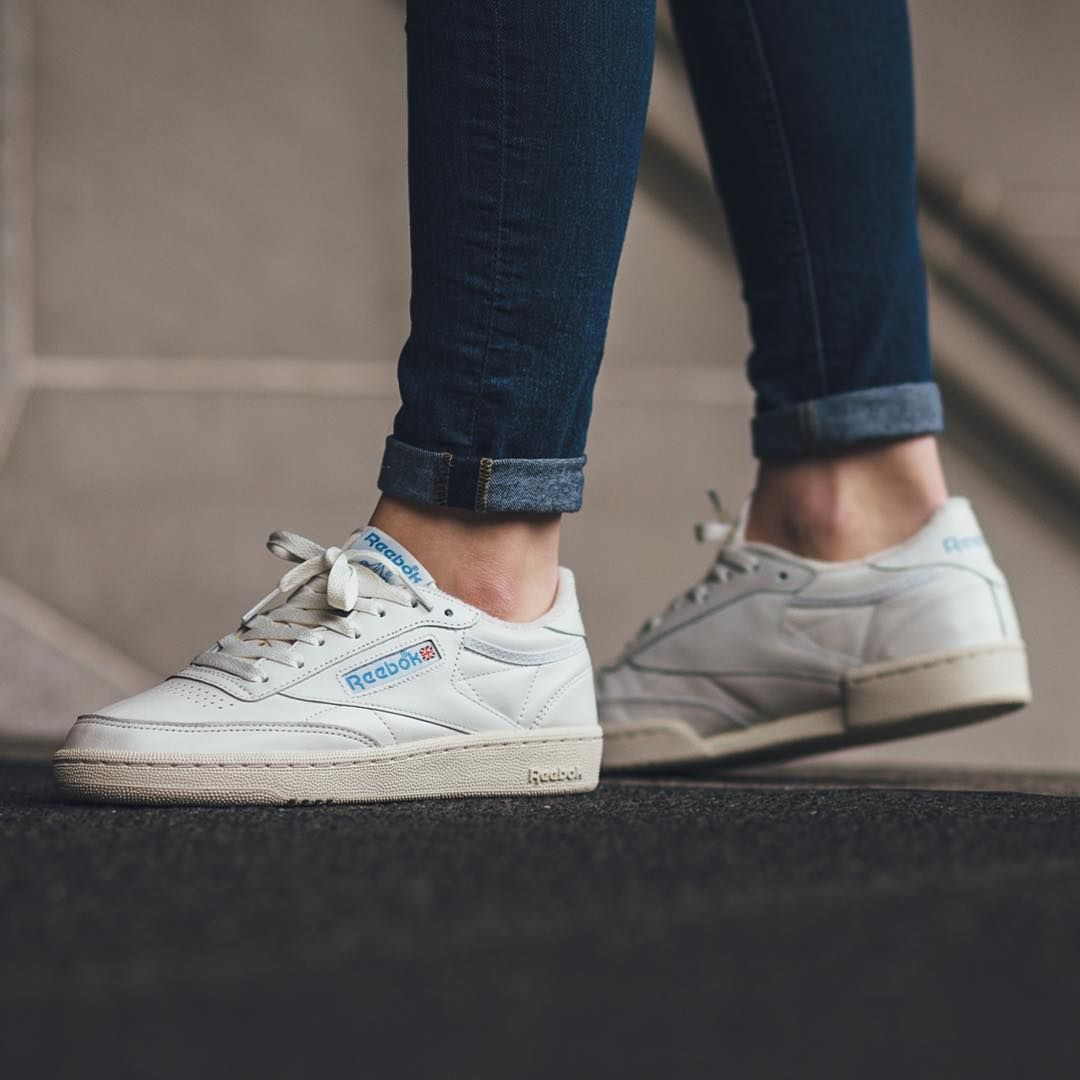 Reebok Club C 85 Vintage - Chalk Paper White Athletic Blue  b1fba3f78