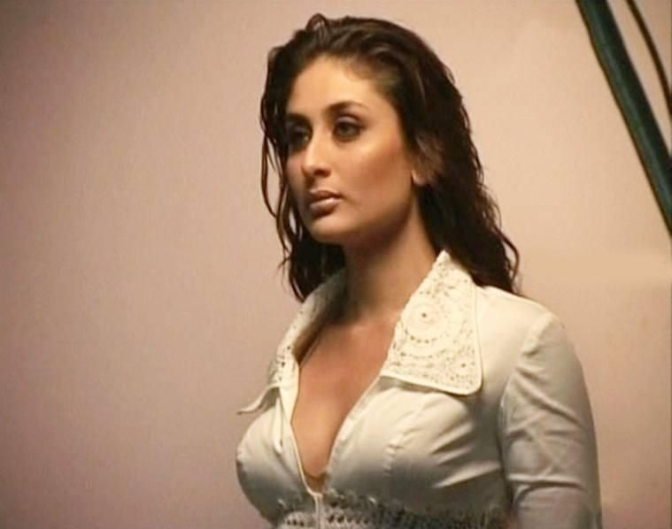 Sexiest Hot Kareena Kapoor, You Will Blush To See These -5452