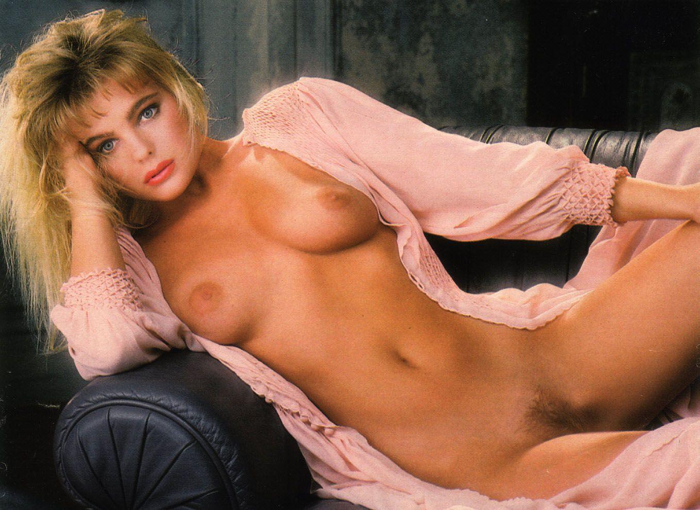 Erika Eleniak Pussy