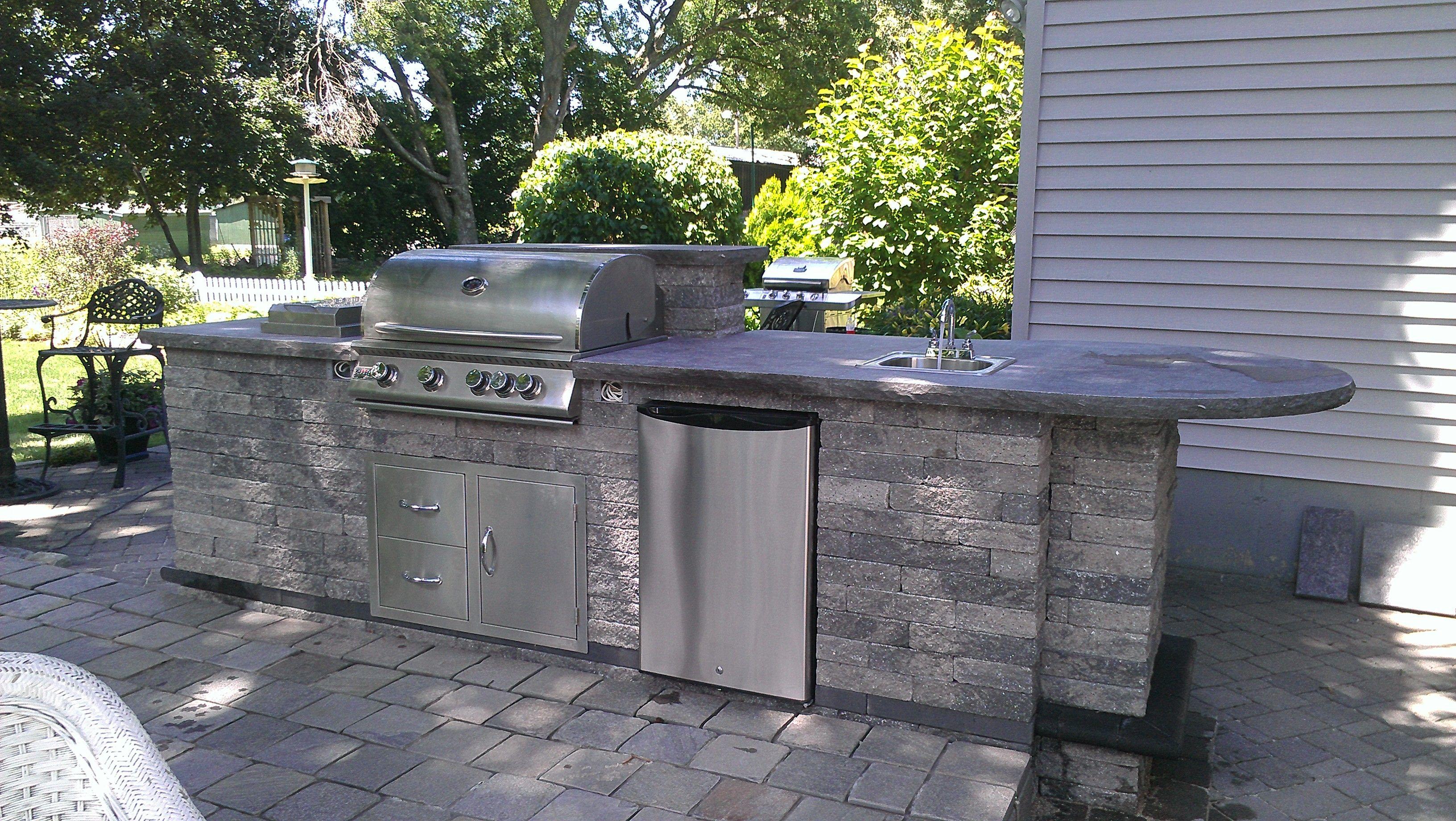 Outdoor Kitchen W Side Burner Sink Refrigerator Grill And Doors Outdoor Kitchen Outdoor Patio Design