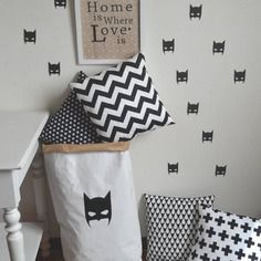 stickers 20 masques de batman d coration batman super h ros chambre enfant noir blanc. Black Bedroom Furniture Sets. Home Design Ideas