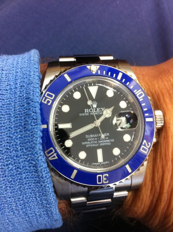 Rolex Submariner w/ Blue Ceramic Bezel insert | MEN & WOMEN WATCHES