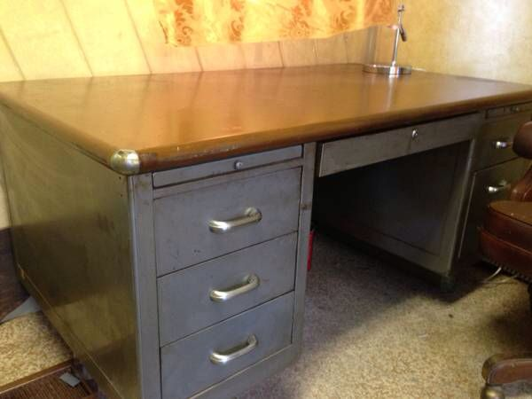 Metal Desk On Craigslist In Maine With Images Metal Desks