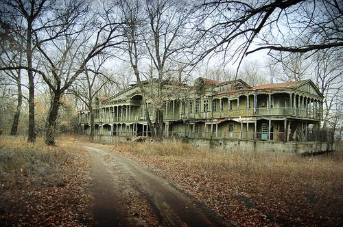 Beautiful, huge, back to nature, in the middle of nowhere.  Abandoned.  So sad.  Anyone know where this building is located?