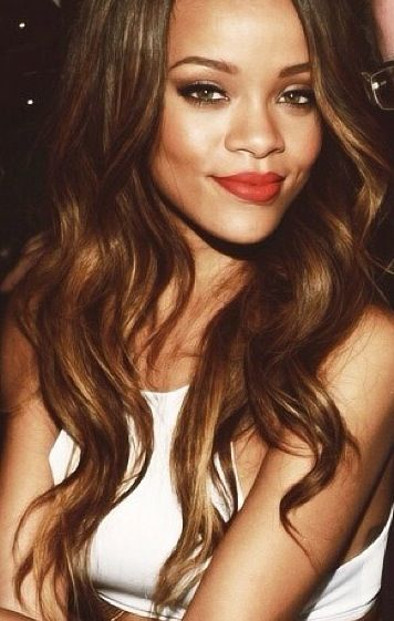 last hair style what color is rinna rihanna hair color fashion 8085