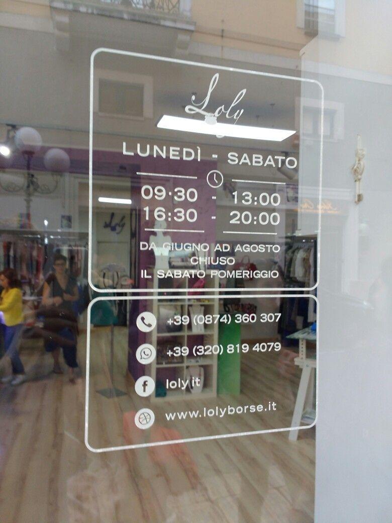 Store hours vetrofania orario negozio hours for Orari negozi trento