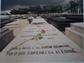 hospício moinho dos ventos: NO ENTERRO DE CLARICE LISPECTOR, 200 PESSOAS  Túmu...