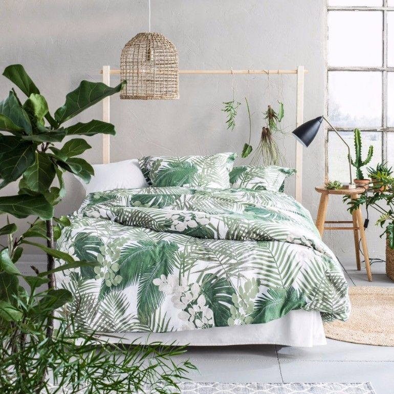 Summer trends 2017 bedroom inspiration with tropical for Exotic bedroom decor