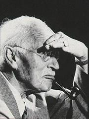 Carl Gustav Jung, knowledge of yourself.