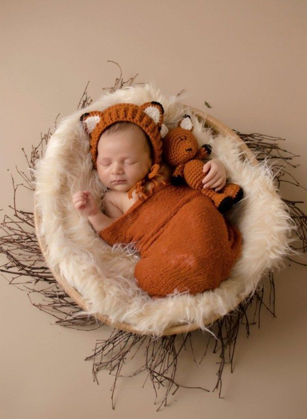 Cute diy newborn photography props ideas 16