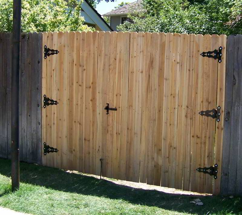 Fence door double gate fence ideas custom wood gate for How to make a garden gate door